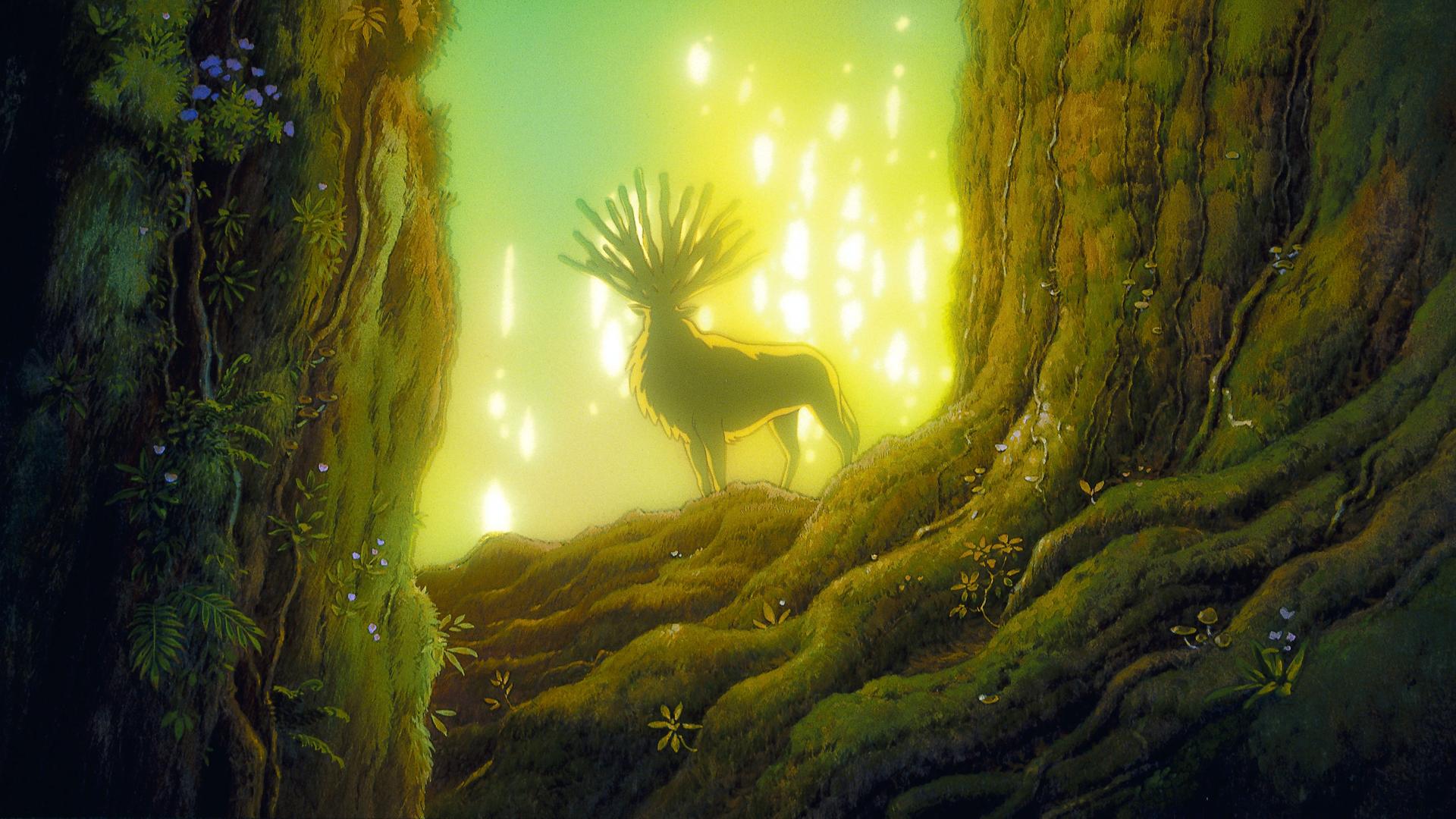 En pleine forêt, un cerf aux multiples bois est illuminé par les rayons du soleil.